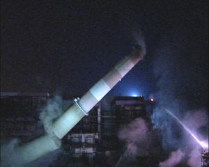 Abattage de deux cheminées Centrale Thermique EDF de Loire sur Rhône suivi de la démolition