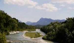 la Drôme en direction de Saillans